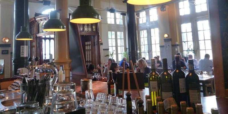 Biologisch en vegetarisch restaurant de hagedis waldeck pyrmontkade 116 den haag - Kombuis keuken ...