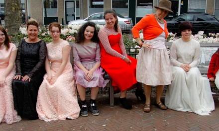 Feestelijke Fashionshow in kleding voor alle maten