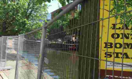 Plaatsen lager hek Veenkade en Toussaintkade
