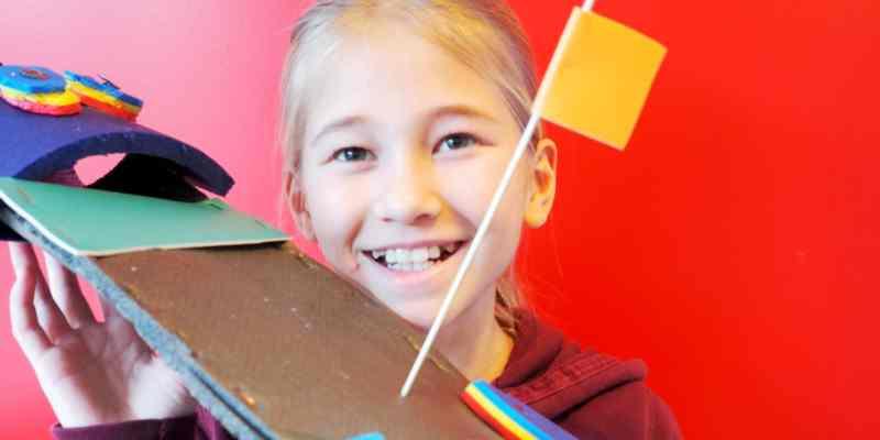 Op woensdag, donderdag en vrijdag zijn er in het mooie lichte Atelier van Speijk series workshops voor kinderen van 4 t/m 15 jaar met elke week een nieuw onderwerp met verrassende materialen.