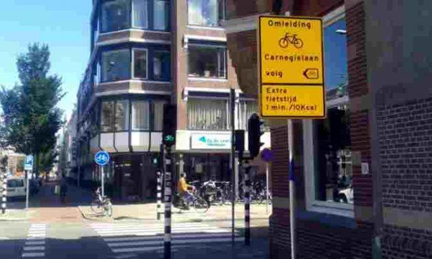 Speciaal fietsbord op Laan van Meerdervoort