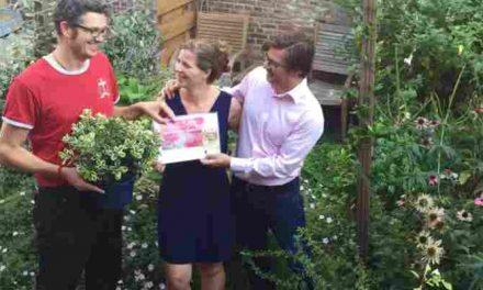 Bewoners Zeeheldenkwartier winnen prijs voor Groenste Balkon