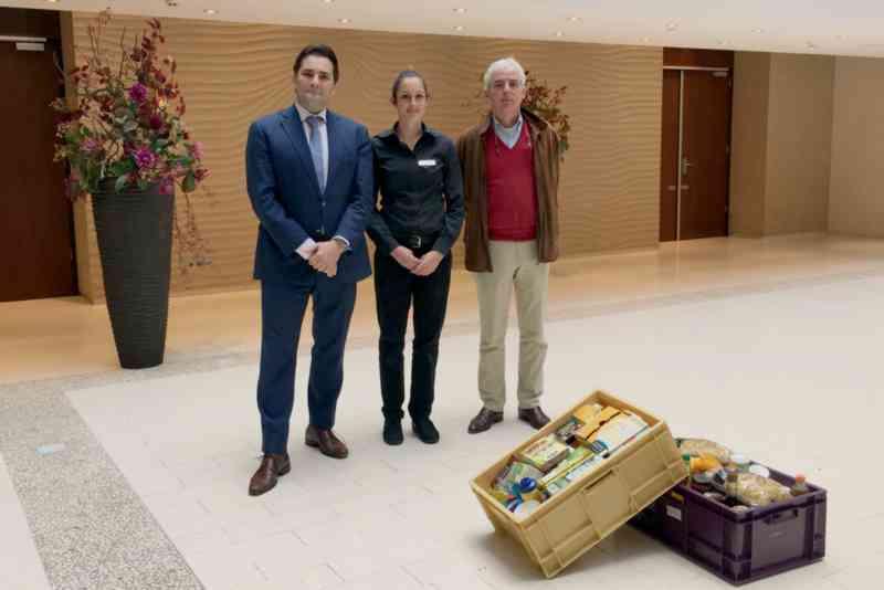 hilton-the-hague-doneert-aan-voedselbank