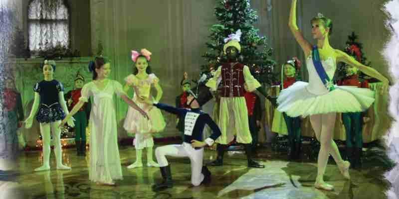 """Op zaterdag 10 en zondag 11 december a.s. speelt het Classical Russian Ballet (jr.) in het Zeeheldentheater de bekende klassieker """" De Notenkraker"""". Deze door kinderen gespeelde ballet voorstelling op muziek van Tsjaikovski is van hoogstaande kwaliteit."""