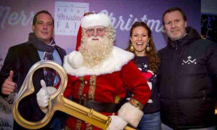 Opening 3e Haagse kerstmarkt op het Lange Voorhout in Den Haag