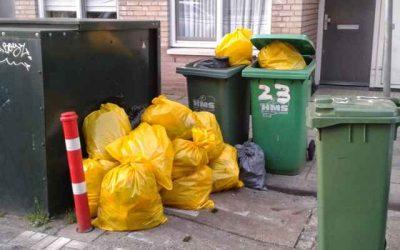 Extra stevige gele vuilniszakken beschikbaar tegen meeuwenoverlast
