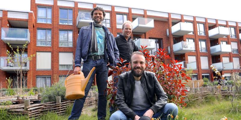 Erik Barthelemy, Wessel Tiessens en Dennis Schaap, bestuursleden van de Zeeheldentuin.